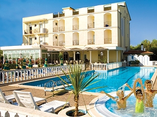 Imgchili model album graffiti picture related pics sexy - Hotel igea marina con piscina ...